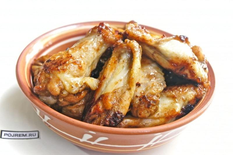 жареные куриные крылышки