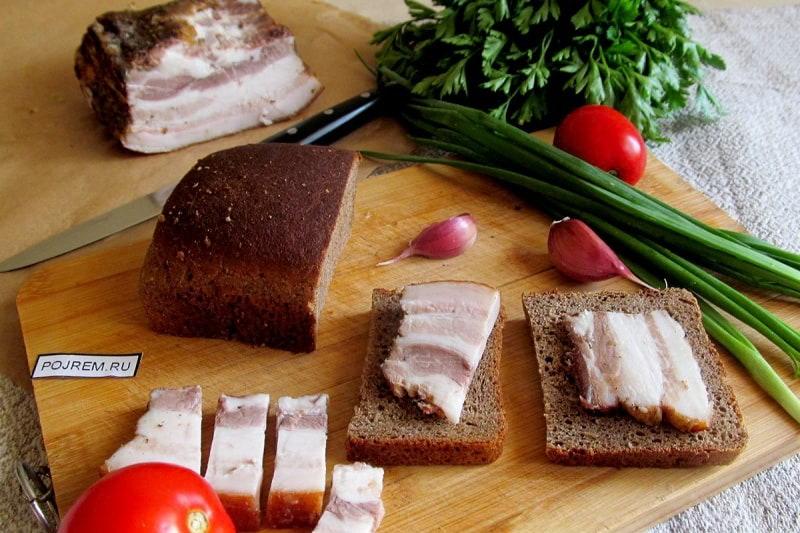 Вареное соленое сало с луковой шелухой рецепт