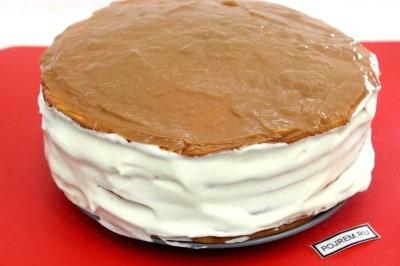 Бока торта так же промазываем кремом