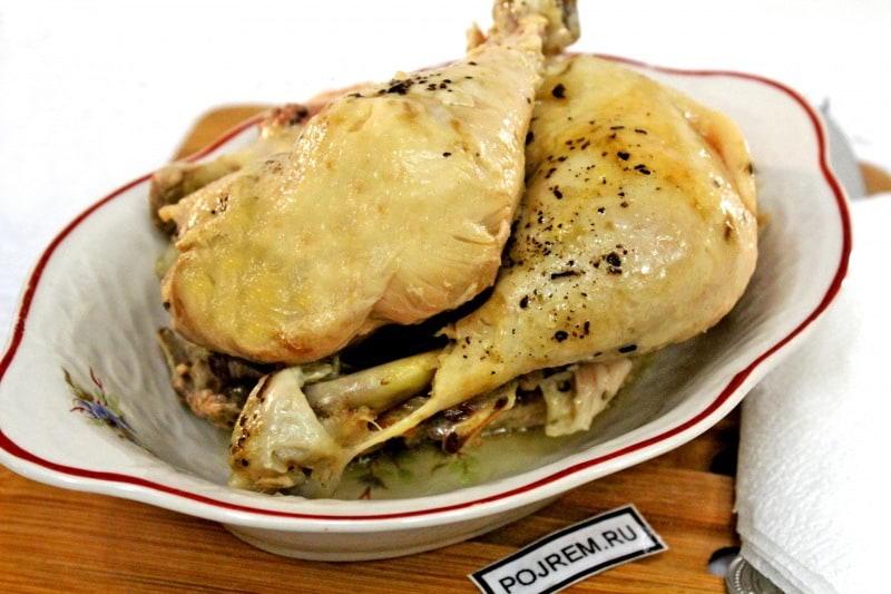 курица, приготовленная в мультиварке