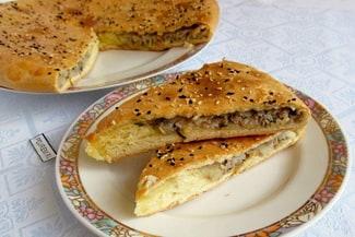 Пирог на кефире с мясом