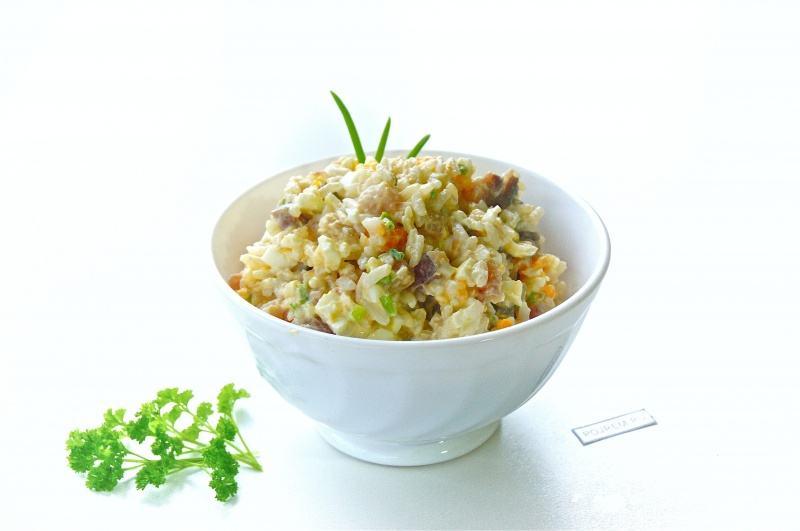 салат с копченой селедкой