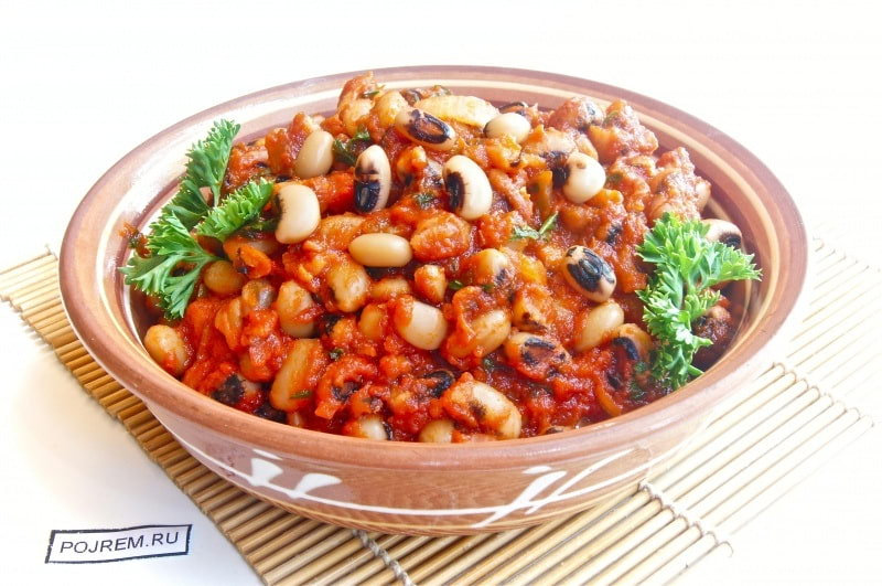 фасоль, приготовленная в томате