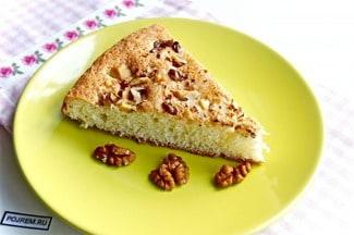 Бисквит с орехами