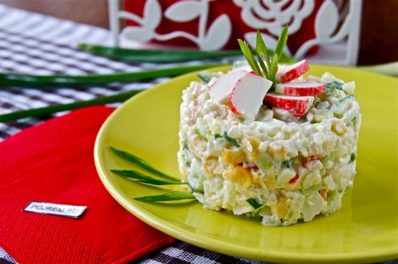 пп рецепт салат с крабовыми палочками и
