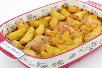 курица с чесноком и майонезом в духовке с картошкой