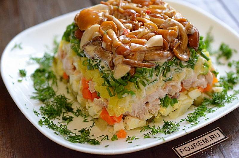 Салат грибная поляна с опятами