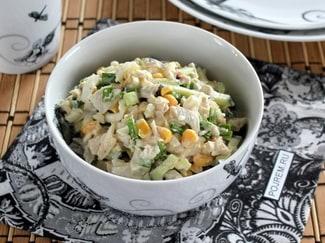 Очень вкусный салат из консервированных кальмаров