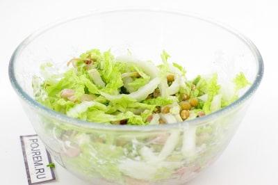 простой салат с копченой курицей рецепт с фото