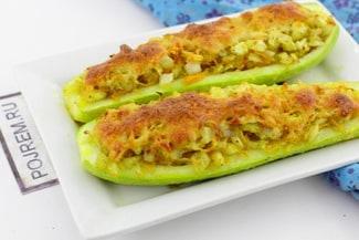 Кабачки фаршированные овощами, запеченные в духовке