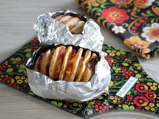 Картошка в духовке в фольге