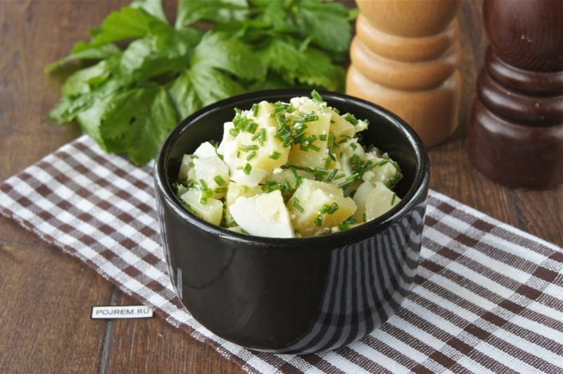 картофельный салат с яйцом