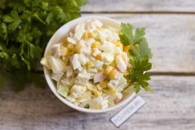 Салат и кальмаров и крабовых палочек рецепт с фото очень вкусный с