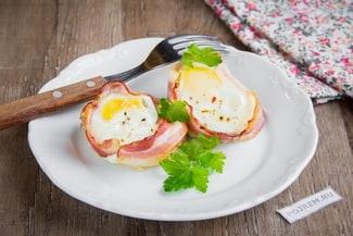 Рецепт яичницы с беконом