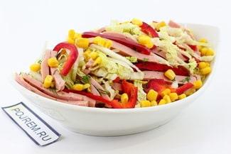 Салат с пекинской капустой и колбасой