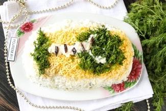Салат «Берёзка» с черносливом