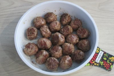 фрикадельки в соусе на сковороде рецепт с фото