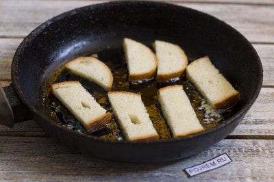Как сделать гренки на сковороде с чесноком
