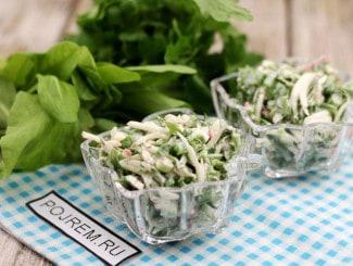 Салат из редиса с яйцом и зеленым луком