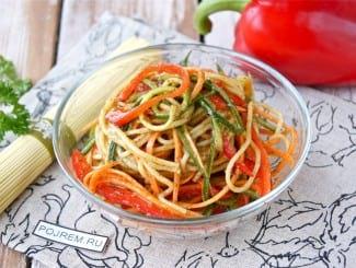 Яичная лапша по-китайски с овощами