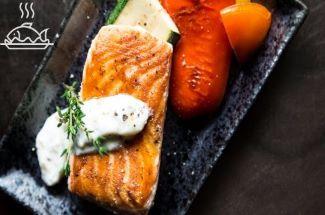 Готовлю соус для рыбы всего из двух ингредиентов. Блюда с ним получаются особенно вкусными и пикантными.